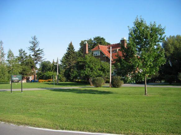 McDonald College 04
