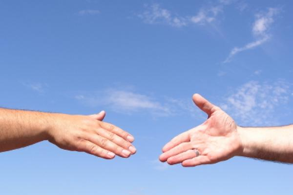Nếu có thể được, anh em hãy hết sức sống hòa thuận với mọi người
