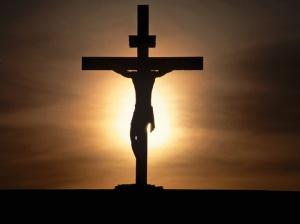 Chúng ta được nên thánh nhờ sự hiến dâng thân thể của Chúa Giê-su Christ một lần đủ cả